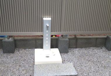 敷地周辺のフェンスと門扉の設置